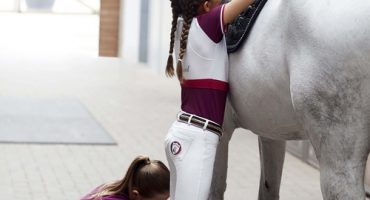 Kingsland: KASPER SADDLE PAD, LUCKI LADIES SHOW SHIRT, BUDCHESTER UNISEX FLEECE JACKET