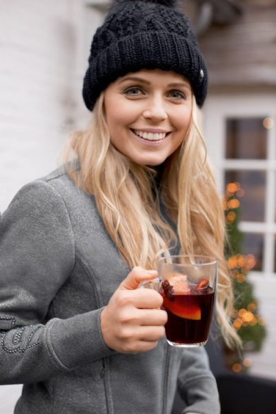 PIKEUR JUNE LADIES SWEATSHIRT,UNISEX BOBBLE HAT